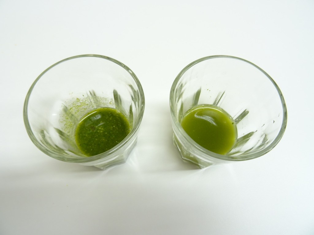 左 ハイスピードミルで作ったゴーヤ茶 右 ファインパウダーミルで作ったゴーヤ茶