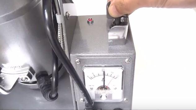 ファインパウダーミル 電流計