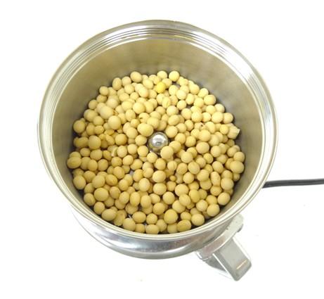 大豆120gをコナッピーで製粉